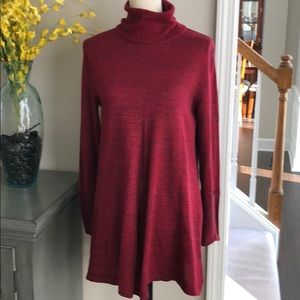 Simply Vera Wang red tunic sweater size medium